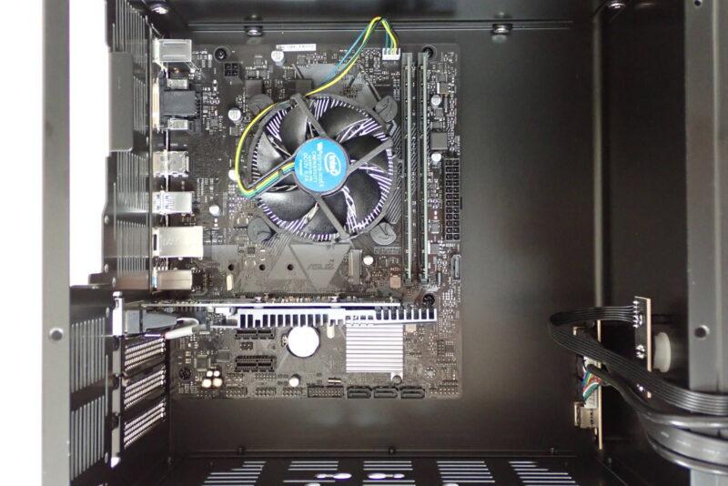 ASUS ファンレスグラフィックボード GT710-SL-2GD5をMicroATXマザーボード・PCケースに設置