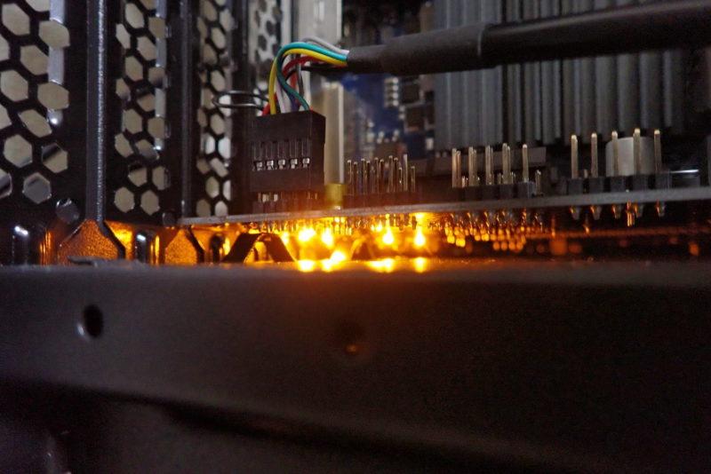 ASUS MicroATXマザーボード PRIME H310M-E R2.0のLEDライト