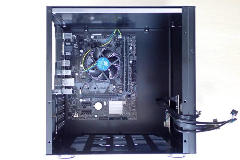 JONSBO V4 PCケースにMicroATXマザーボードを取り付け