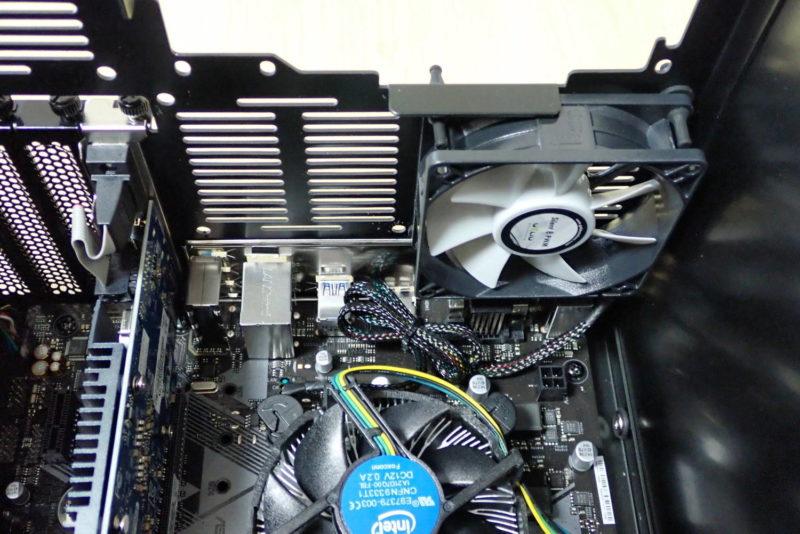 JONSBO V4 PCケースにグラフィックボード・ケースファンを取り付け