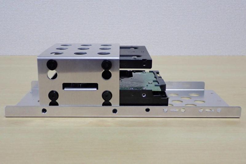JONSBO V4 PCケースに2.5インチSSD、3.5インチHDDを取り付け