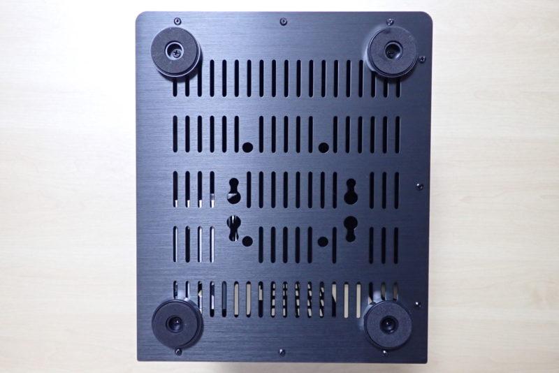 JONSBO V4 PCケースに脚を取り付け